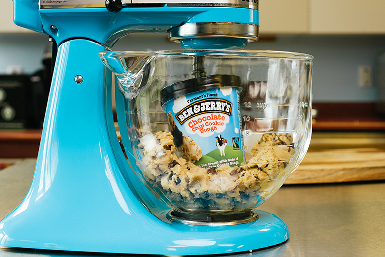 BNJ0026_Cookie_Dough_Mixer-4647_Large-779.jpg